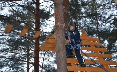 Накануне праздника в Набережных Челнах открыли веревочный парк приключений