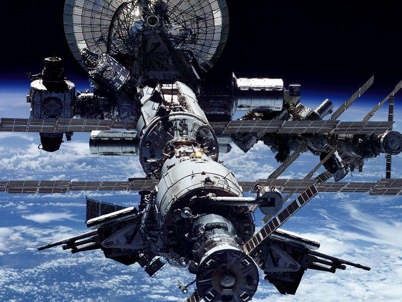SMS на МКС – отправь сообщение на орбиту