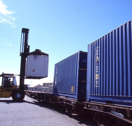 Железнодорожная доставка грузов из Европы: что нужно знать при заказе