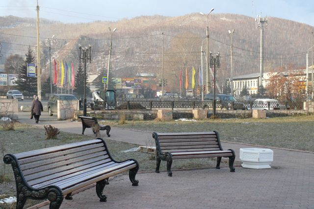 Парк Горького продает скамейки