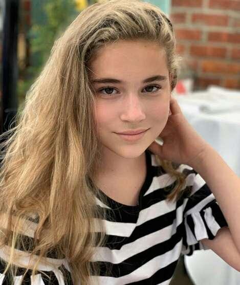 Дочь певицы Алсу Микеллу продолжают травить в социальных сетях